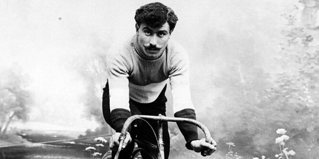1909. április 11 – Octave Lapize első Paris-Roubaix győzelme