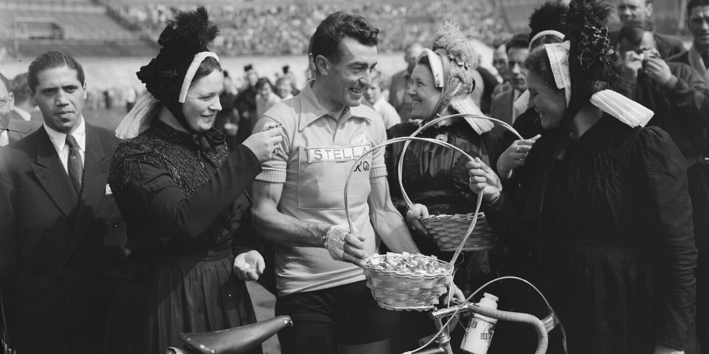 1954. július 8. Amsterdamból rajtolt a Tour de France
