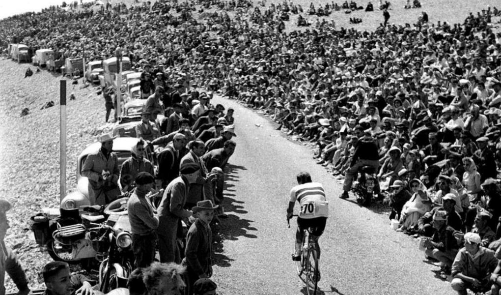 Charly Gaul, a hegyek angyala a Mont Ventoux 1958-ban az egyéni időfutamon